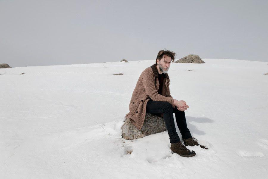 Una piccola tregua live è il nuovo disco di Paolo Cattaneo : musicisti e pubblico in contatto lontani dal trambusto quotidiano