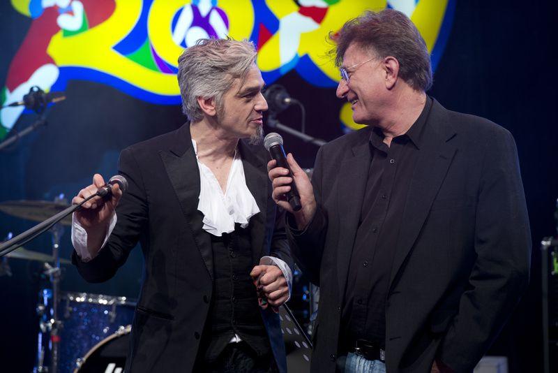 Morgan canta Bowie al Roxy Bar