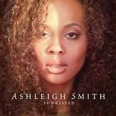 Sunkissed: l'emozionante album di debutto di Ashleigh Smith