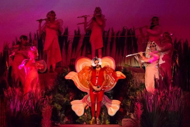 Il mondo fatato e gli elfi di Björk alle Terme di Caracalla