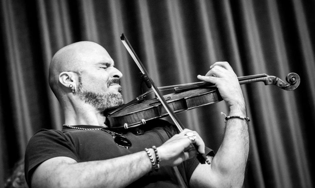 Alessandro Quarta sul palco dell'Ariston con Il Volo | Intervista