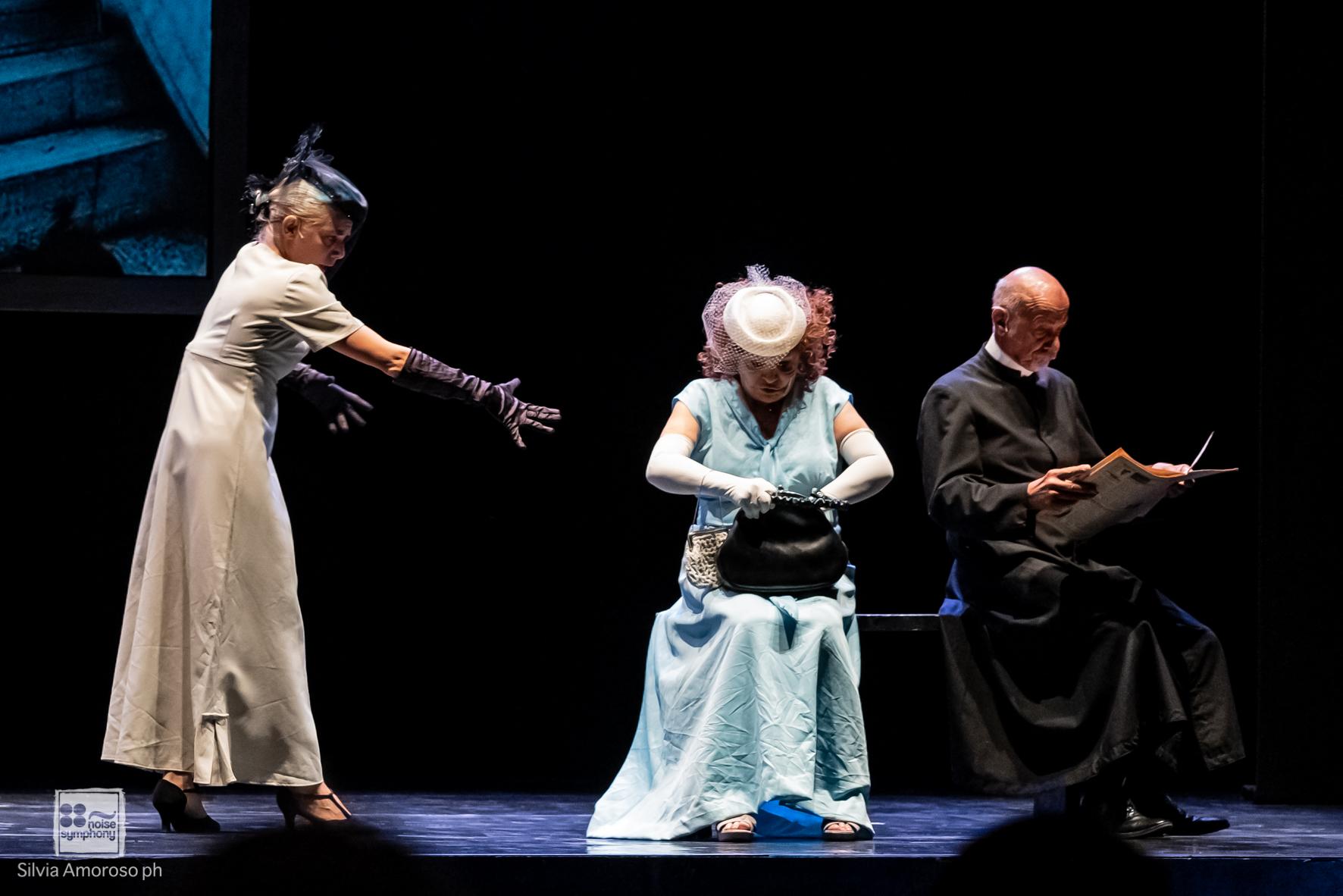 Le eccentricità di un usignolo al Napoli Teatro Festival