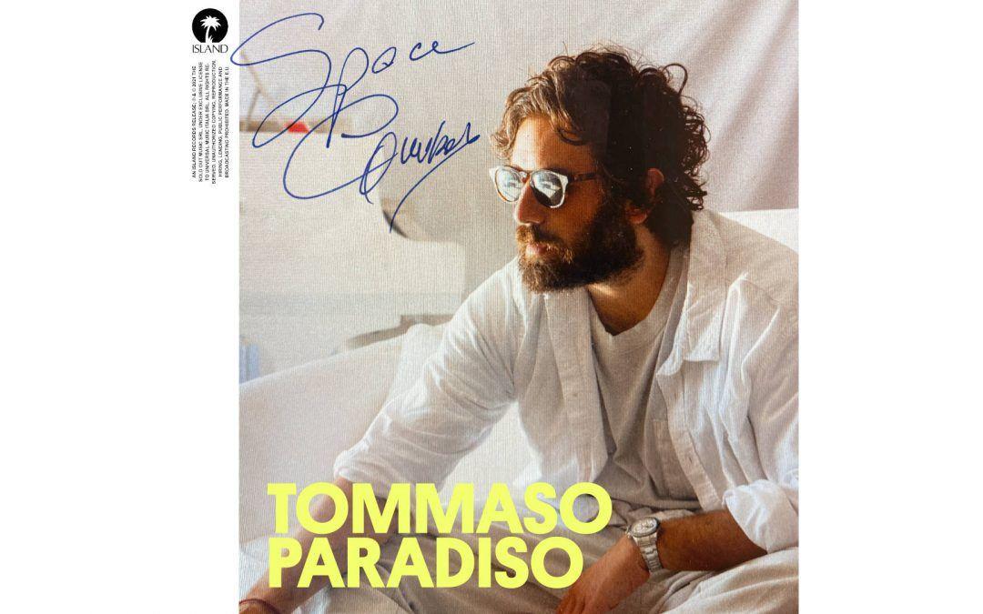 Space cowboy Tommaso Paradiso